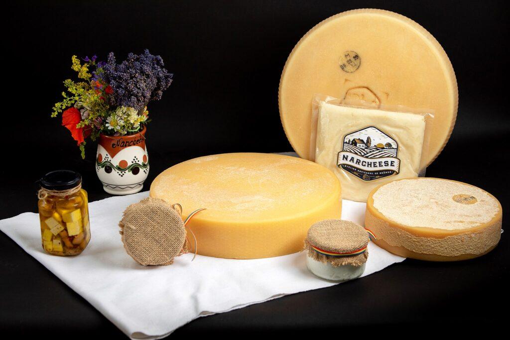 Atelierul de brânză NarCheese vă așteaptă cu cele mai bune sortimenete de brânză artizanală 100% BIO.