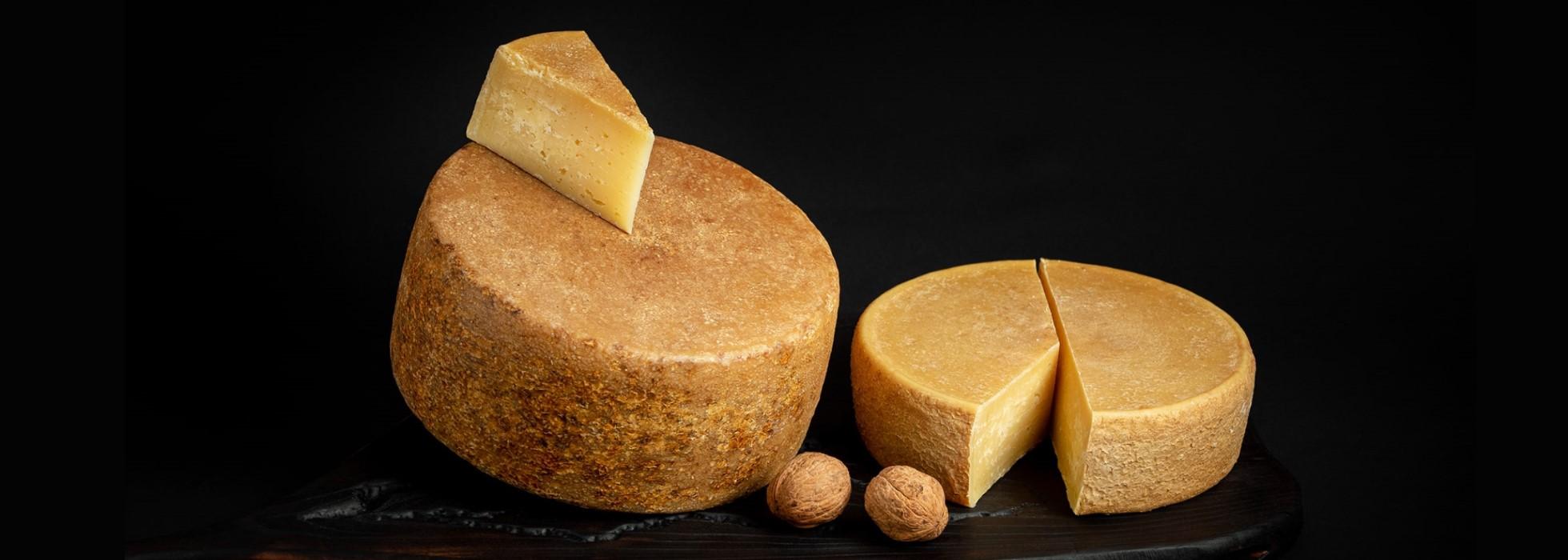 Brânzeturi maturate după rețete elvețiene